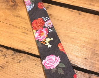 Faded Floral Tie