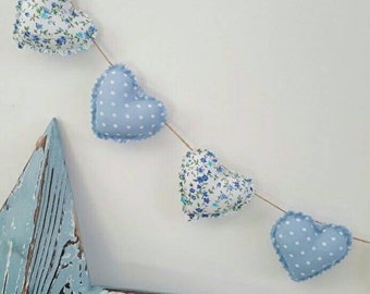 Hand Made Shabby Chic 7 Heart Fabric Garland Bunting Blue & White Ditsy Floral