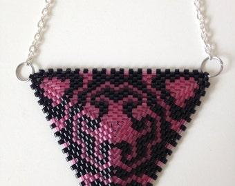 Weaving peyote triangle necklace