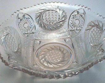 Pinwheel Variation Pattern Moulded Glass Large Serving Bowl