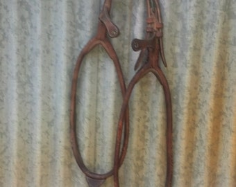 Rustic Vintage Cowboy Carriage Horse Tack Leather Wall Barn Hanging Decor
