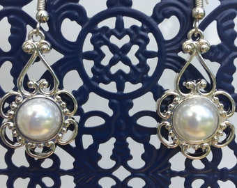 Silver white pearl floral fashion earrings
