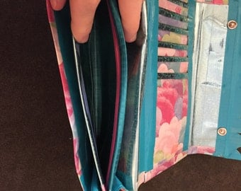 trifold accordian clutch wallet with change pouch
