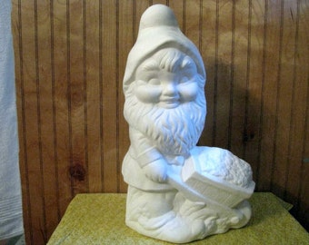 Wheelbarrow Gnome