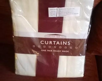Brand new stylish single pair of curtains