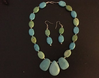 Beautiful hand crafted turquoise necklace and earrings