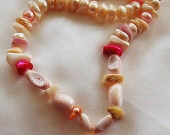Pretty in Shells necklace