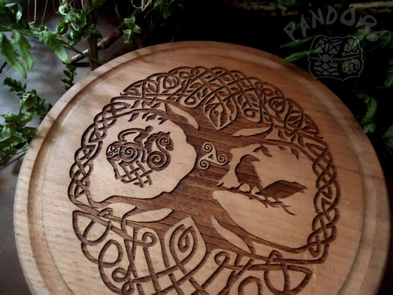 Altar pentacle Yggdrasil Odin Hugin and Munin Sleipnir