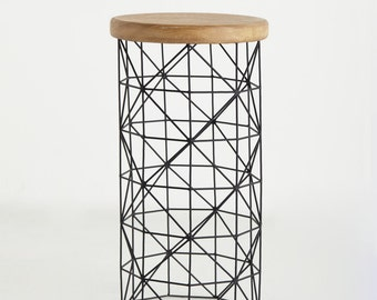 Triangle Cylindre Table