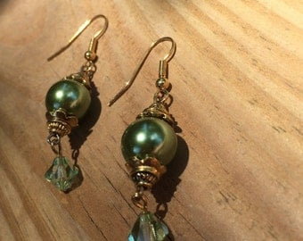 Swarovski green crystal and pearl earrings