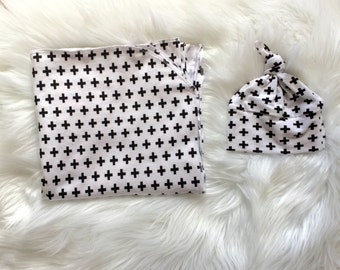 White and Black Cross Swaddle Set/Black and White Swaddle