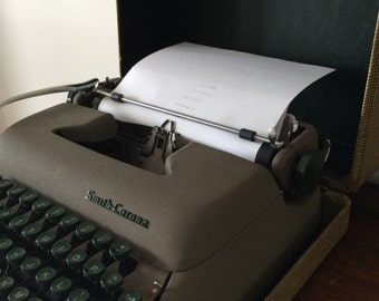 Vintage 1950s Smith Corona Typewriter