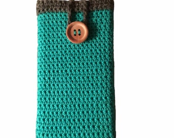 Brightly coloured phone cover with a rustic edging