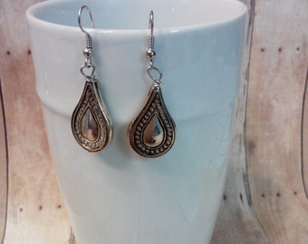 Silvertone teardrop dangle earrings