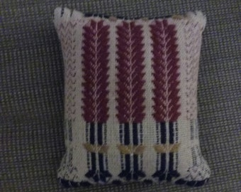 Tapestry Country Pillow, Wheat pattern
