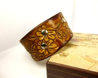 Women Cuff Leather Women Bangle Leather Brown leather wrist Stitched Bracelet Wide Brown cuff Brown leather cuff Women Bracelet Gift Cuff