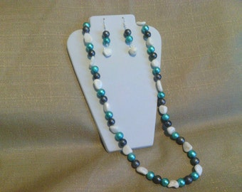 276 White China Jade with Blue and Grey Miracle Glass Beads Beaded Necklace