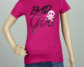 "T-shirt woman fuchsia size arched ""BAD GIRL"""