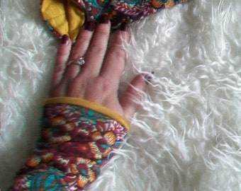 sweet turn of wrist warmers hand warmers ethno of 70s folk Peru wristband gift