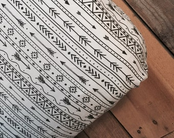 Black and white Arrow/Aztec crib sheet and changing pad cover