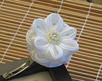 Kanzashi bride flower