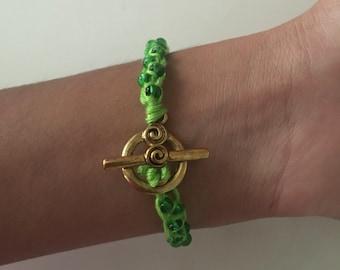Beaded Friendship Bracelet in Green/Gold