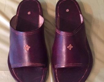 Men's Leather Slip-on Sandal (size 9)