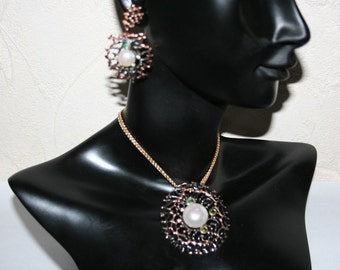 Set necklace + earrings in Sterling Silver 925/1000, set with pearls and emeralds