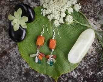 Earrings in natural stones