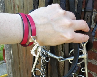 Leather bracelet for woman martingale