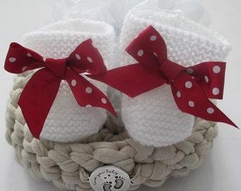 Booties white handmade, knitted booties handmade, baby gift, layette baby, newborn gift, christmas gift, white booties, personalized gift