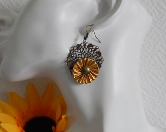 Earrings capsules dark Golden and bronze prints