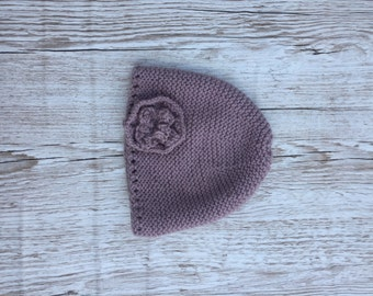 Dusty pink knitted pull on hat