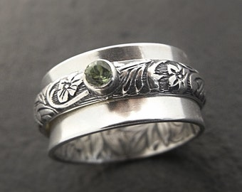 Womens Silver Ring, Sterling Silver Statement Ring, Wide Band Pea Patch Spinner Ring, Peridot, Green Stone Ring, Floral Ring, Womens Ring