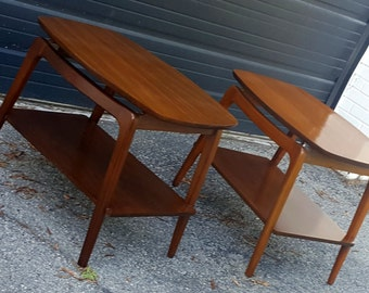 Mid Century Modern Matching Pair of End Tables