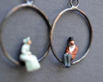tiny people hoop earrings- Victorian couple