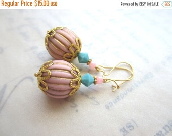 CIJ 35% OFF Pink and Gold Vintage Lucite Bead Earrings.  Pink and Gold Vintage Earrings. Spring Earrings. Under 25.