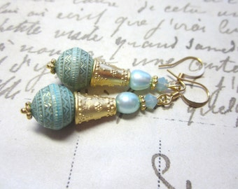 Light Green and Gold Lucite Earrings.  Vintage Lucite Bead Earrings.