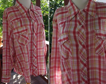 FARMER Red 1960's 70's Vintage Men's Red Tan + White Plaid Cowboy Shirt with Pearl Snaps // by RAPPERS // size Large