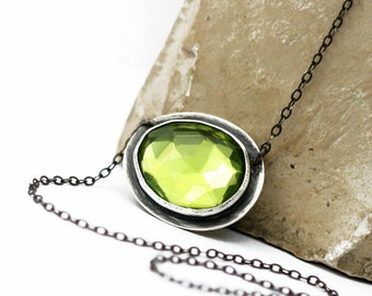 Peridot Quartz Necklace, Free Form Faceted Peridot Quartz, Modern Rose Cut Facet Quartz Necklace