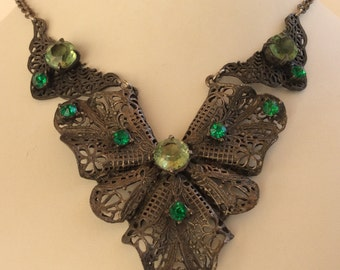 Vintgage Filigree Neklace with Emerald and Periodot Green Stones - Openback