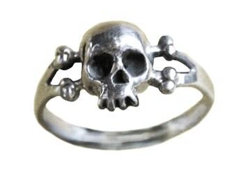 Skull & Bones Ring Sterling Silver Gold