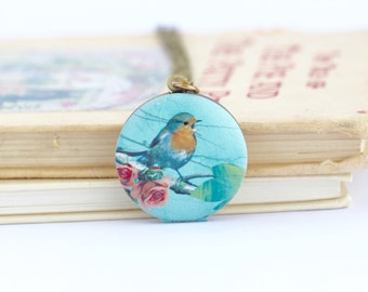 Nature Locket - Gift For Mom - Robin Locket Pendant - Blue Bird Locket - Picture Locket - Brass Chain - Whimsical Locket - Bird jewelry
