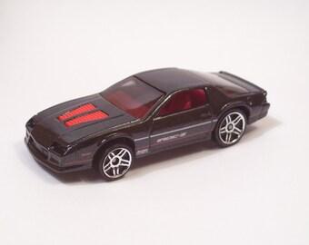1985 Chevrolet Camaro IROC-Z : Hot Rod, Man Cave, Refrigerator, Tool Box, Magnet