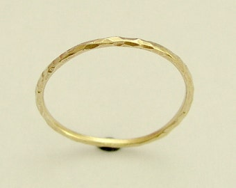 Thin gold band, shiny gold band, simple band, hammered gold ring, 14k yellow gold ring, gold wedding band, dainty gold ring - Smile RG1595
