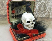 HALLOWEEN Diorama Jewel Box with Skull & Raven Pom Poms BOO
