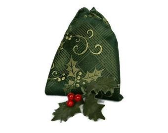 Holiday Pocket Square , Green Hand Rolled Pocket Square , Men's Pocket Square , Green Holly Print , Christmas Wedding , Handkerchief