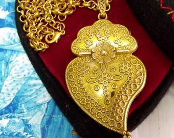 Portugal chubby gold filigree Heart of Viana necklace Folk