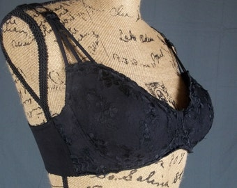 vintage black bra water padded push up perky cleavage frederick's of hollywood lace lingerie size 36C 36 C uplift underwire brassiere