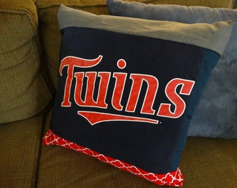 Minnesota Twins upcycled Tshirt throw pillow cover + pillow insert 16 x 16